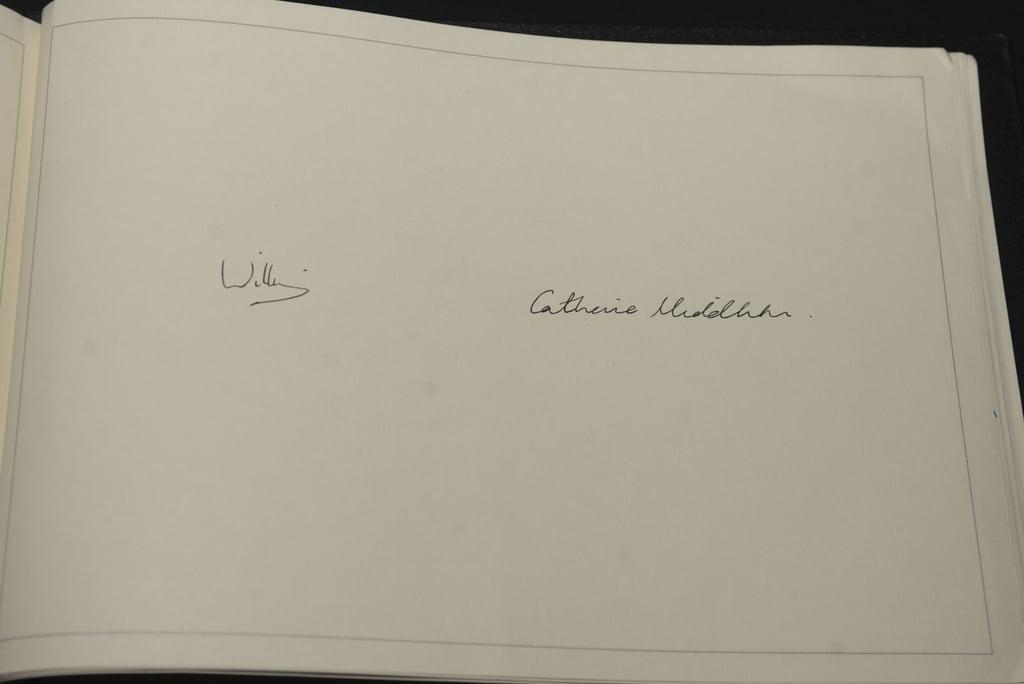 Пора в класс каллиграфии: Кейт Миддлтон поражает своим почерком image3