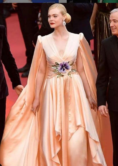 Я у мамы принцесса: самые невероятные наряды на Каннском фестивале 2019 | 9