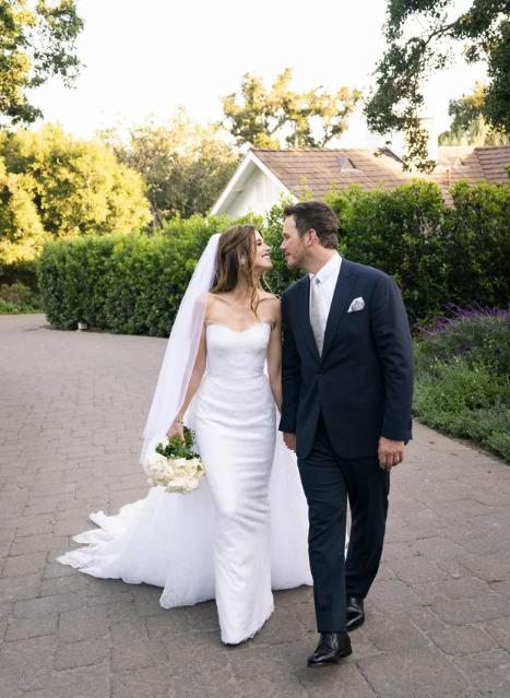 Кэтрин Шварценеггер сменила 2 свадебных платья от Армани за время торжества - image1