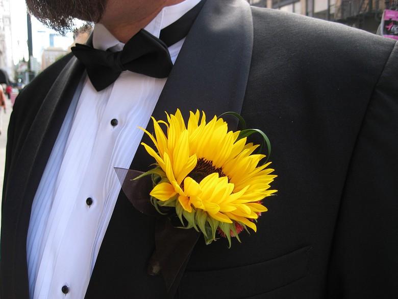 Свадебный декор из подсолнуха для самой солнечной свадьбы - image13