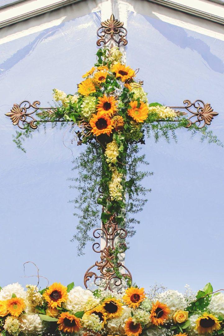 Свадебный декор из подсолнуха для самой солнечной свадьбы - image16