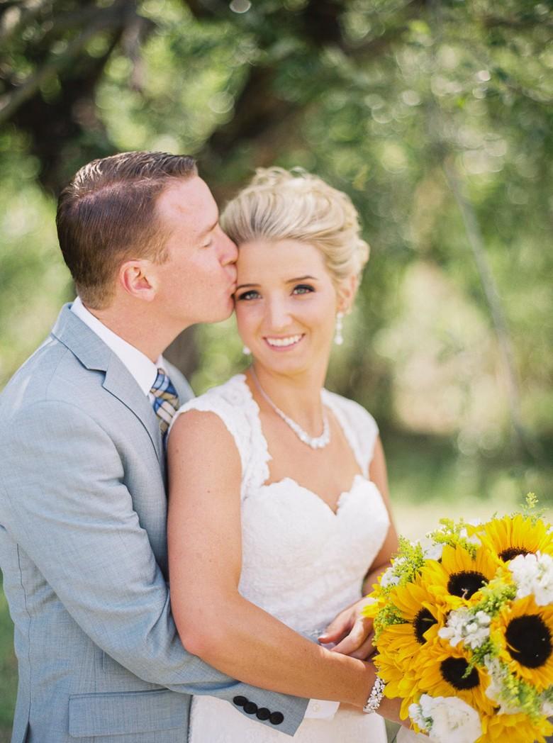 Свадебный декор из подсолнуха для самой солнечной свадьбы - image18
