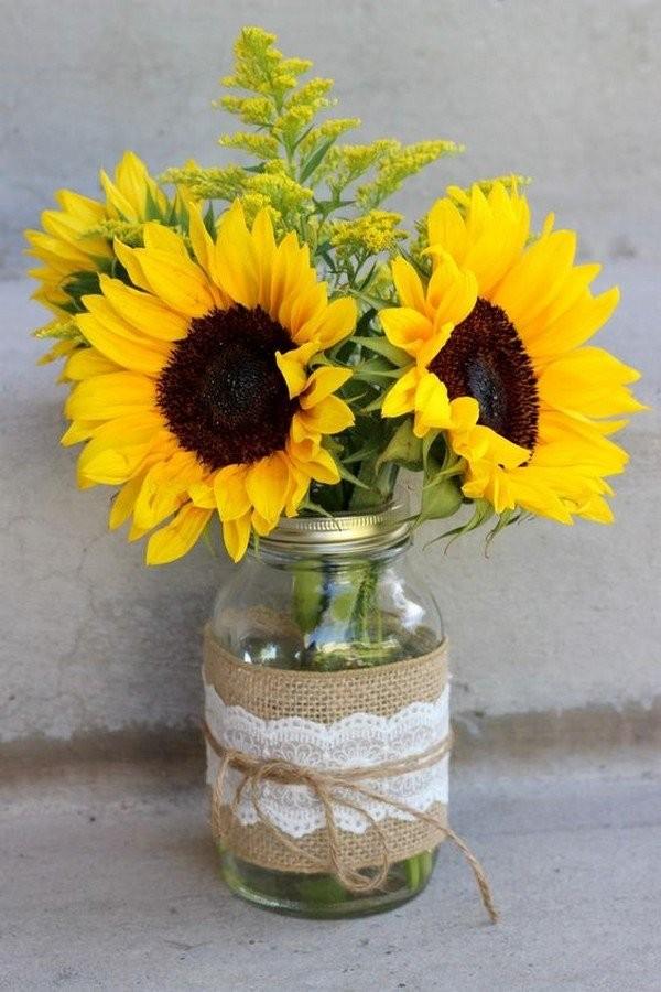 Свадебный декор из подсолнуха для самой солнечной свадьбы - image23