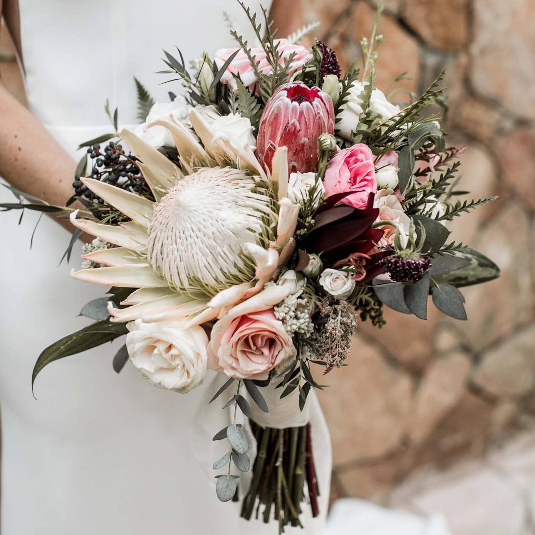 Свадебные букеты для самых красивых невест: модные тенденции 2019 | 26