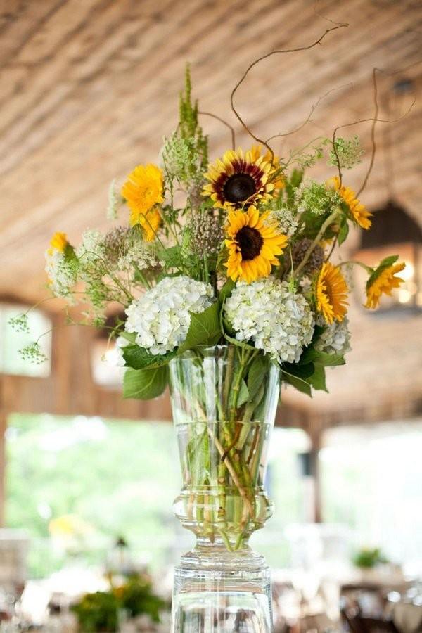 Свадебный декор из подсолнуха для самой солнечной свадьбы - image27