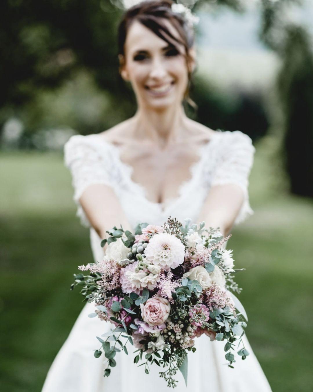 Свадебные букеты для самых красивых невест: модные тенденции 2019 | 29