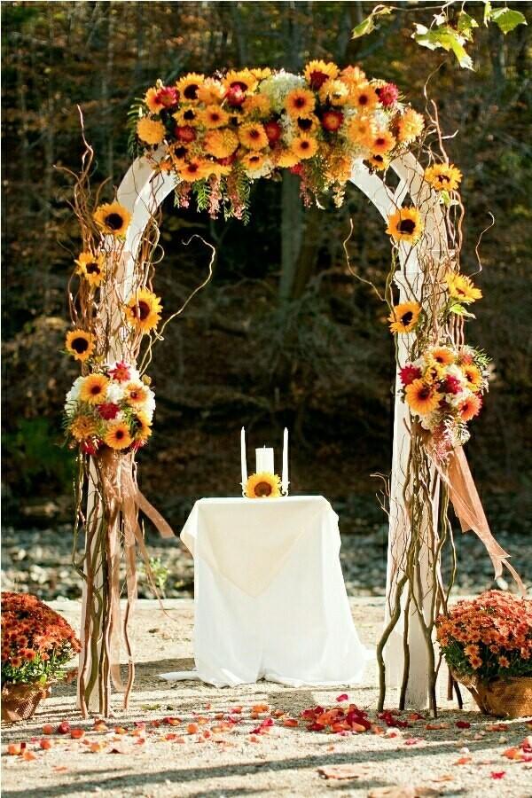 Свадебный декор из подсолнуха для самой солнечной свадьбы - image29
