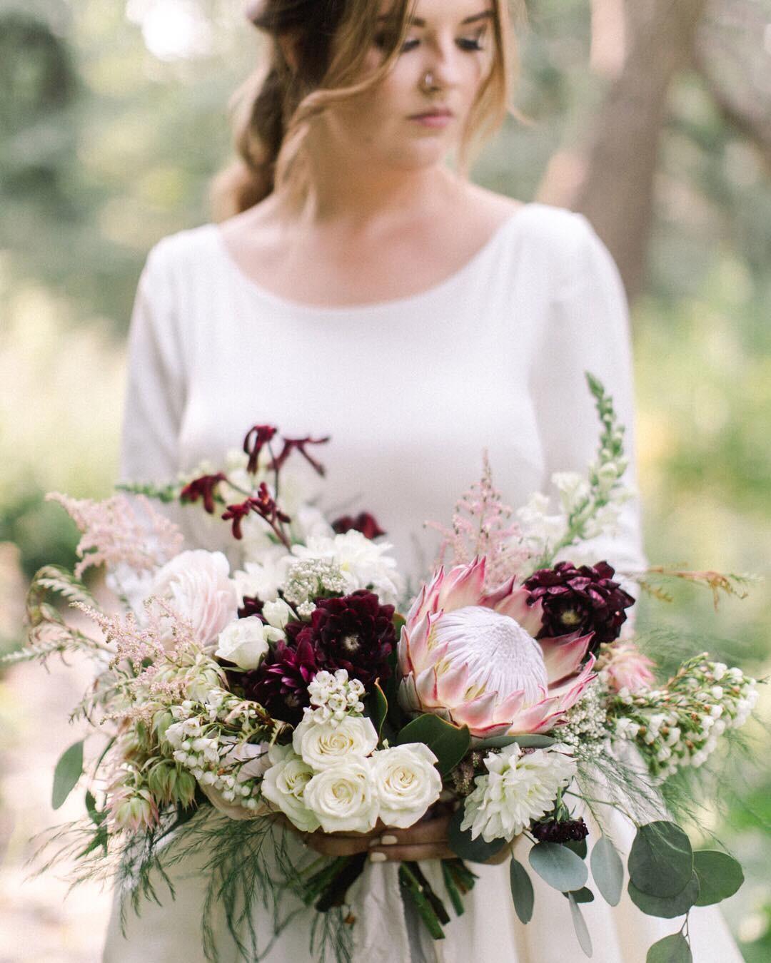 Свадебные букеты для самых красивых невест: модные тенденции 2019 | 30