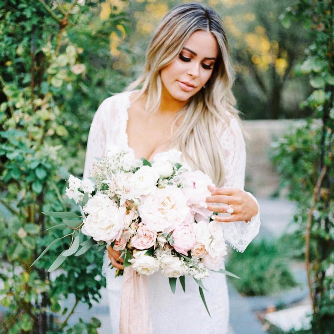 Свадебные букеты для самых красивых невест: модные тенденции 2019 | 36