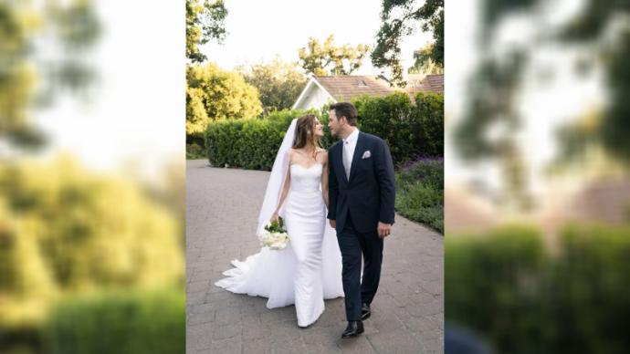 Кэтрин Шварценеггер сменила 2 свадебных платья от Армани за время торжества
